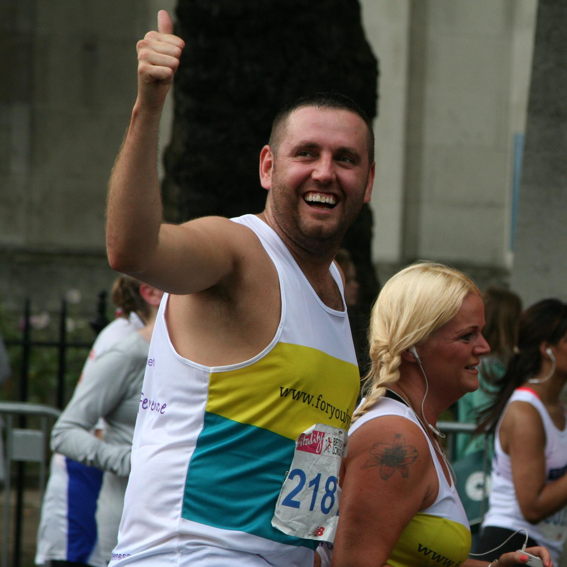 David, one of our 10K runners, giving a thumbs up halfway around the course.